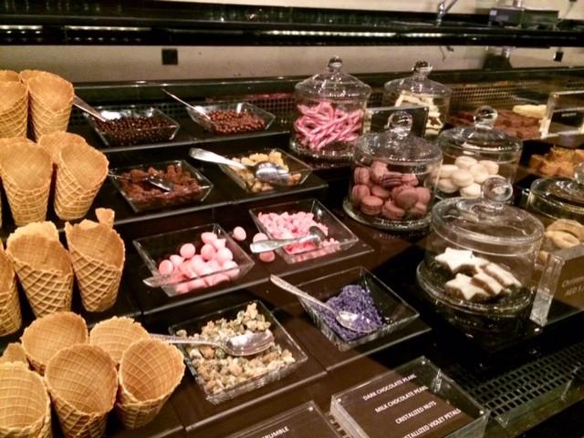 ArmaniDeli_Dubai_buffet-zoet